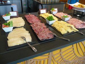 club med buffet lunch